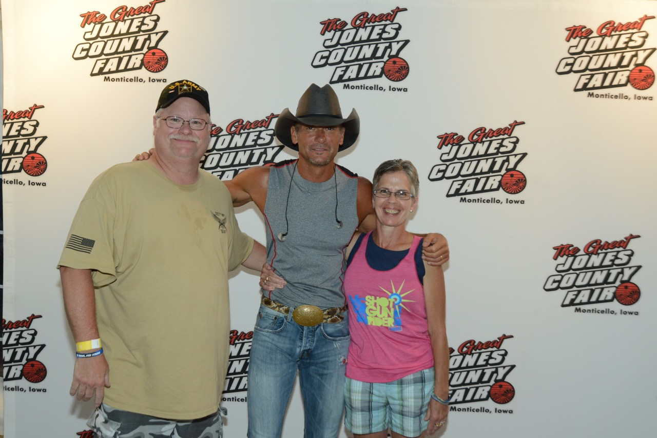tim mcgraw meet and greet pictures with one direction